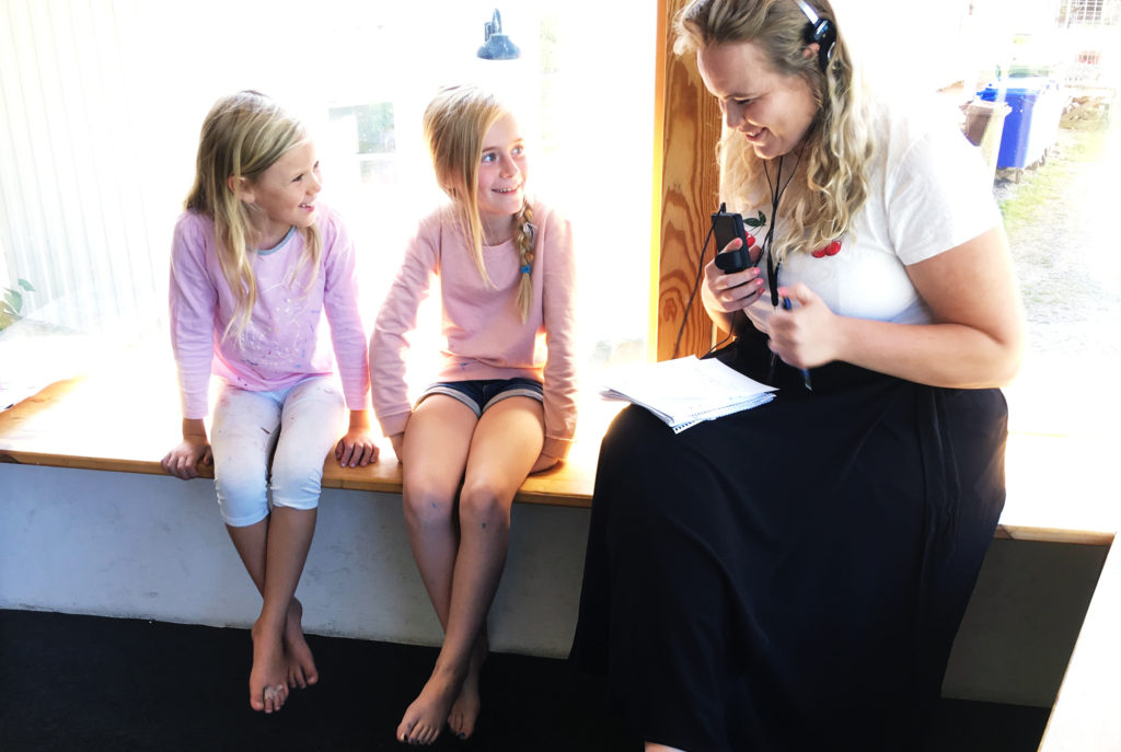 P4 Väst besöker Gerlesborgsskolans öppna konstverkstad för barn!